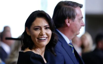 Governo Bolsonaro desviou a programa de Michelle R$ 7,5 milhões doados para testes de Covid-19